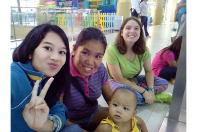 Daria e famiglia al centro commerciale