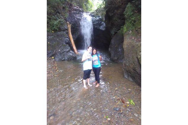 Daira e sorella alle cascate