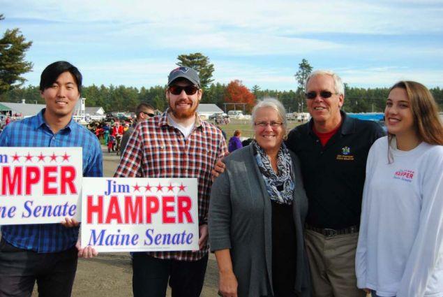 <div>Campagna elettorale nel Maine, contea di Oxford, Stati Uniti. La Comunit&agrave; sceglie gli uomini, non ci sono simboli di partito.</div>