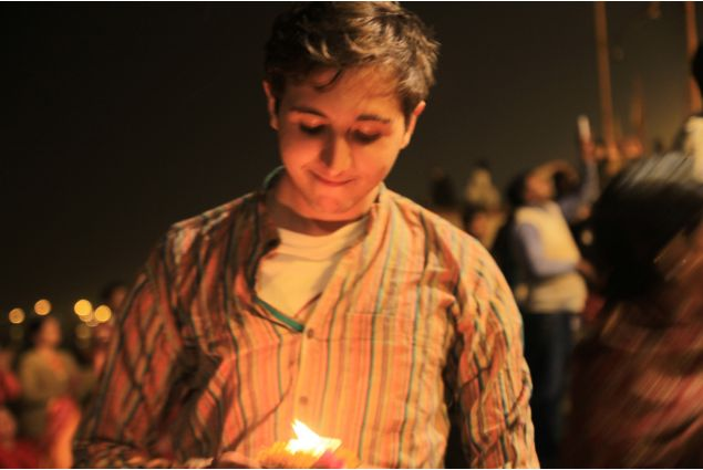 Francesco al Diwali su Ghat