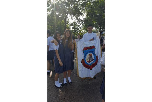 Abbiamo sfilato per ricordare i valori principali che qualsiasi scuola deve avere per iniziare un buon anno scolastico: pace, amore e fratellanza! -Giorgia, Honduras