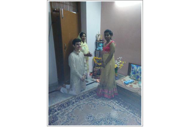 Il Rangoli, per decorare la casa per Diwali, fatto da Jaqcopo e sua sorella ospitante