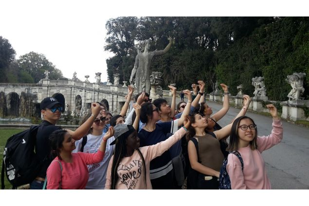 La Settecentesca gestualità italiana alla Reggia di Caserta!
