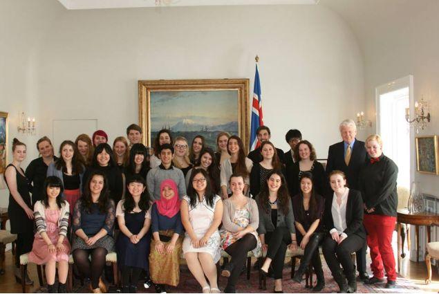I ragazzi del programma di scambio in visita dal presidente dell'Islanda