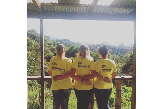 Giada, Ginevra ed Angela, tre studentesse italiane in Costa Rica con AFS