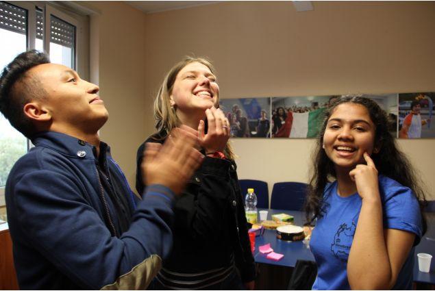 <div>Ecco le risposte di Jorge dalla Bolivia, Holly dalla Danimarca e Zalak dall'India</div>
