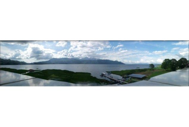 Vista sull'unico lago naturale dell'Honduras