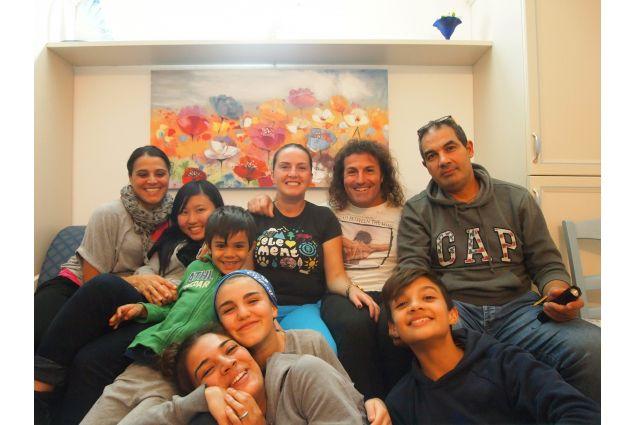 Nagomi con la famiglia ospitante