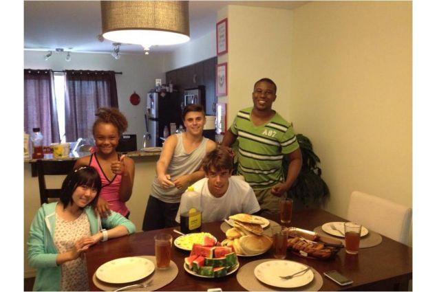 Alberto con la famiglia ospitante