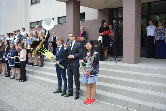 L'inizio della mia scuola, il primo settembre a Sigulda -Simone, Lettonia.