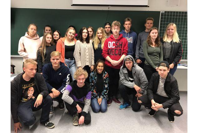 I compagni di classe finlandesi di Elvira