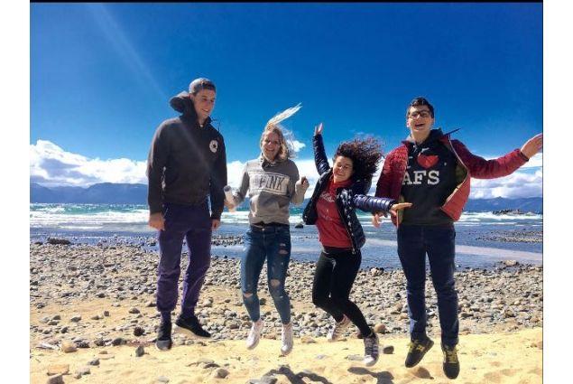 Con gli altri studenti AFS al campo di formazione al Lake Tahoe