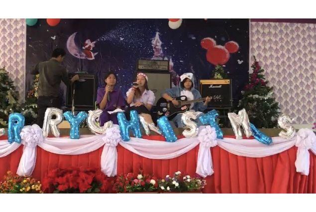 Lo spettacolo di Natale a scuola