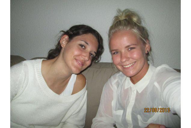 Enrica e la sua sorella ospitante, dopo l'esperienza in college