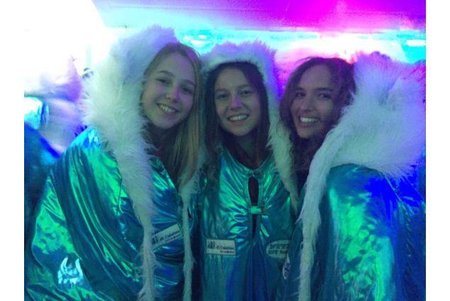 studentesse AFS allì'ice bar