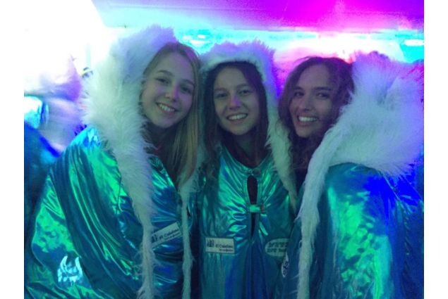 studentesse AFS allì'ice bar