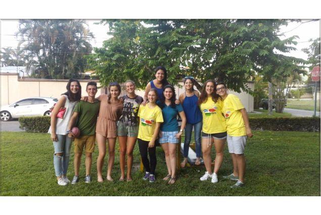 Incontro con gli studenti e i volontari della città