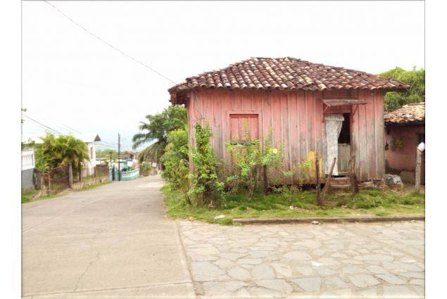 Umile casa honduregna in un piccolo villaggio