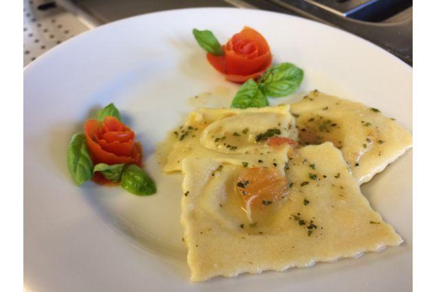 Le lezioni di cucina presso l'Istituto Alberghiero