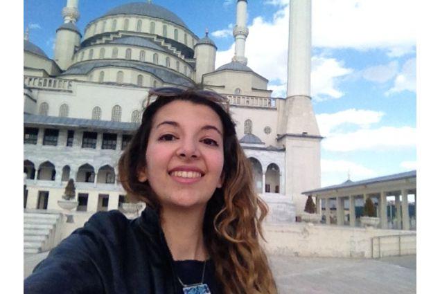 Micehal fuori moschea