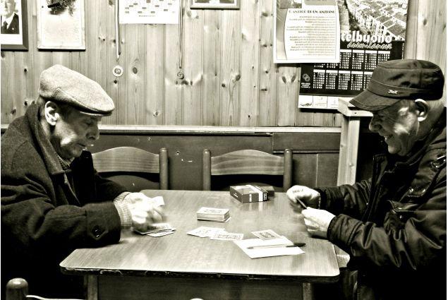 <div>Karla Miranda, dal Guatemala a Palermo per un anno, ha partecipato con la foto 'Amicizia per sempre': <em>Da quando sono arrivata in Italia ho capito sul tanto una cosa, ''la amicizia e quella base di speranza che ti porta su in quelli momenti di difficoltà'' e puoi ho visto quelli nonni giocando alle carte e parlando quel dialetto Siciliano che mi fa impazzire.</em></div> <div></div>