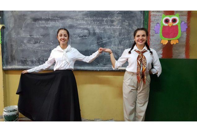 Foto scattata a scuola in occasione dello spettacolo del 25 Maggio, Giorno della Patria in Argentina