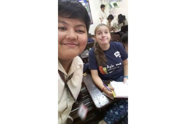 Daria a scuoa, con compagno di classe