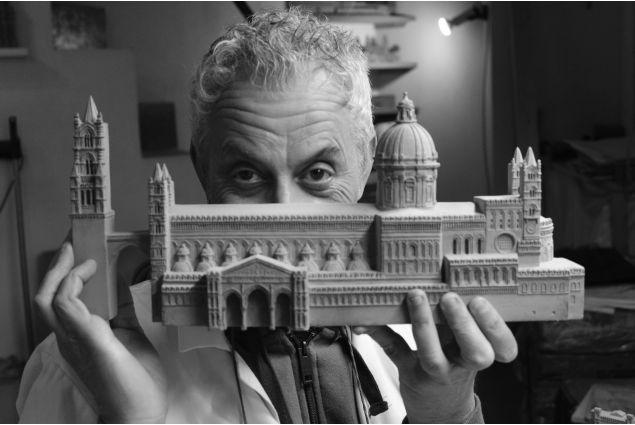 <div>Ozlem, dalla Turchia a Palermo, ha partecipato con la foto 'Cattedrale di Palermo': <em>L'artigiano delle città cotte. Da vent'anni descrive in questo modo le bellezze architettoniche siciliane.</em></div> <div></div>