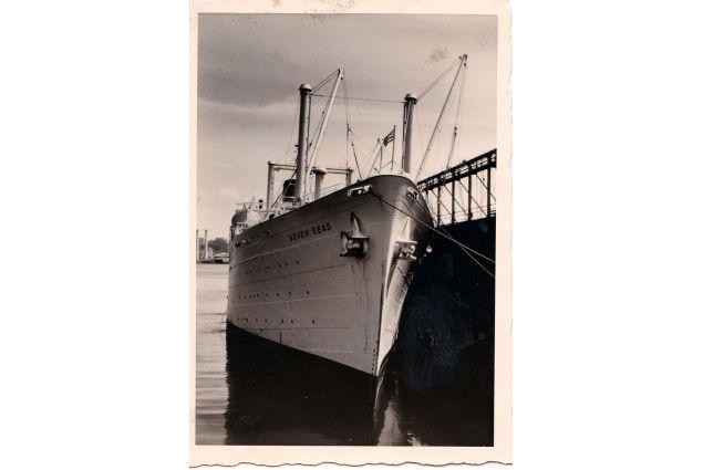 L'arrivo della Seven Seas, storica nave degli AFSers, al porto di New York